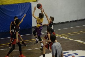 Mini A vs. C.B. Grup Barna